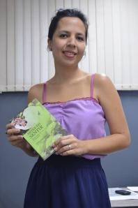 """Alessandra Oliveira que assina o artigo """"Narrativas fotográficas de três jovens comunicadores"""". Foto: Marina Duarte."""