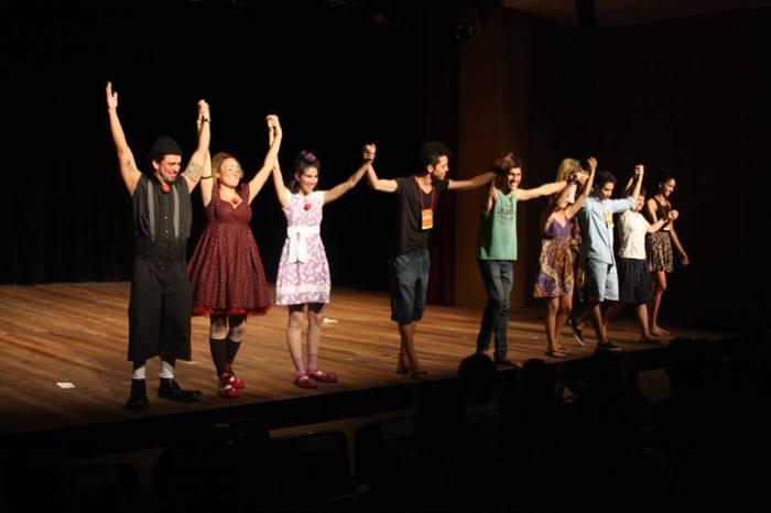 Grupo de Teatro Cirdante. Foto: Amanda Carneiro